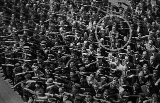 August-Landmesser-Almanya-1936_commons.wikimedia.org
